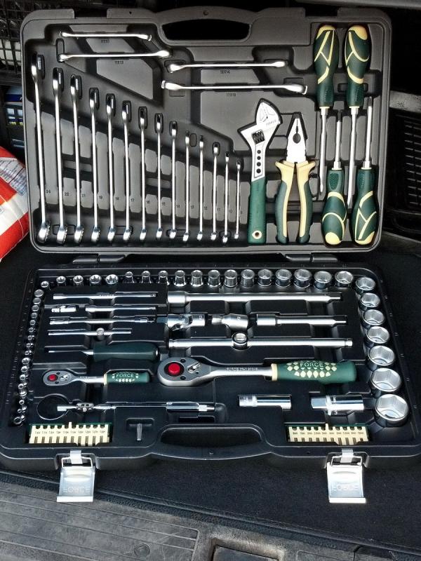 Force Набор инструмента головки и ключи (чемодан) 102 предмета № 41021-9 12-ти гранный
